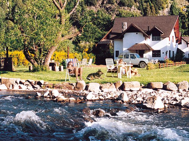Vacation Home San Martín de los Andes Gardening System