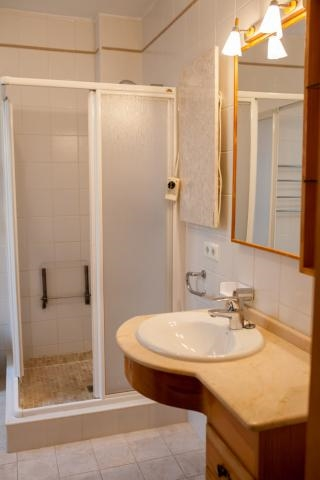 Photos for house 8167