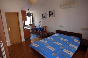 Apartment Studio Golubic