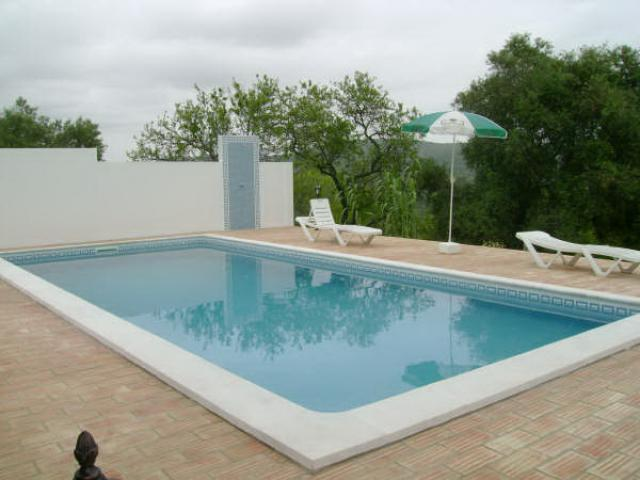 Vacation Home Loule Gardening System
