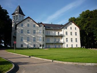 Schlo� Hohen Niendorf