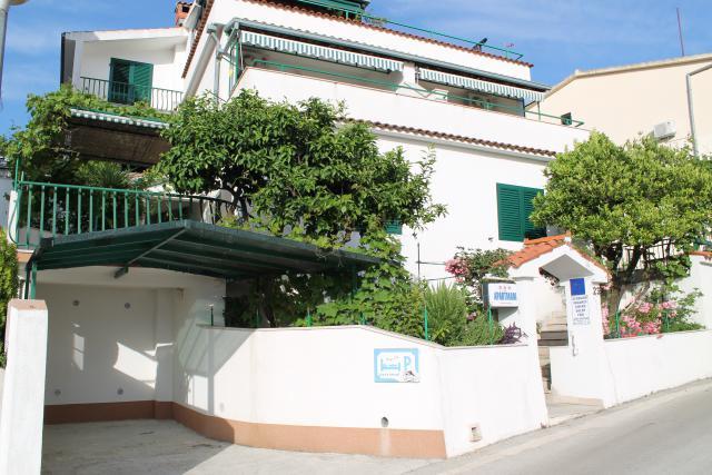 Vacation Apartment Podgora