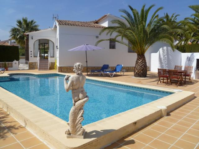 Vacation Home Calpe Gardening System