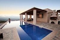 Villa Mila mit Pool