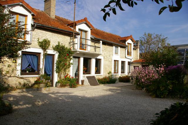 Gite-Kuća Longchamp sur Aujon Vrtna oprema