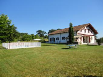 Gite-Holiday House La Bastide-Clairence Vacation Property