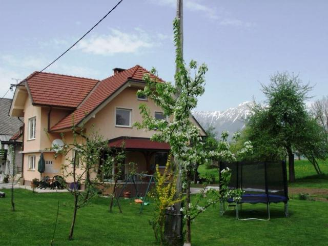 Apartma Valant Bodešče - Vacation Apartment Sports