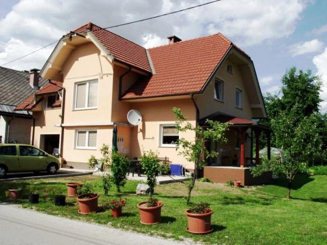 Apartma Valant Bodešče - Vacation Apartment Surrounding
