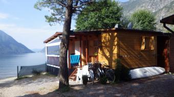 Chalets aan meer van Lugano