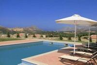 Villa Asteri mit Pool