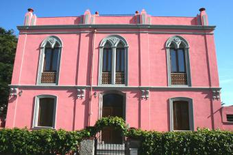 Pink Palace Apartment