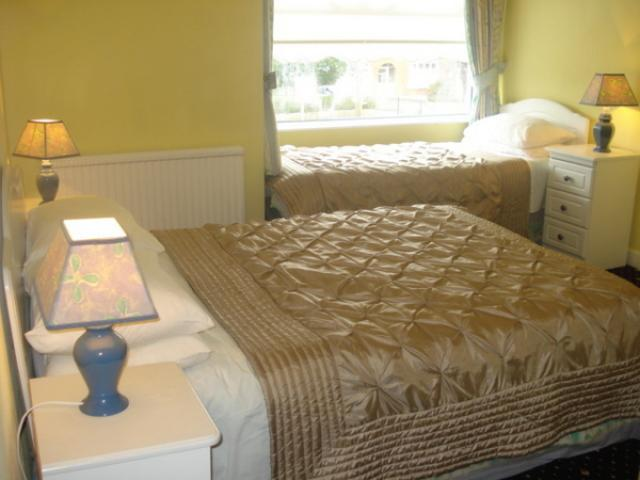 Almara B&B Dublin (est. 1991) - Bed & Breakfast Bedroom