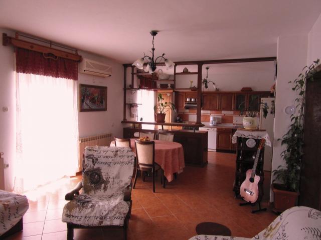 Photos for house 639946