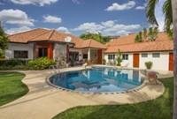 Villa Pattaya Hill with pool