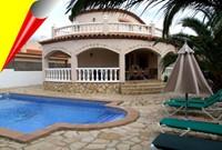 Villa Manuela mit Pool 10x5m.
