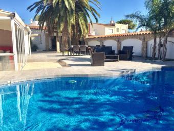 Private Ferienhausanlage mit beheiztem Pool+Whirlpool