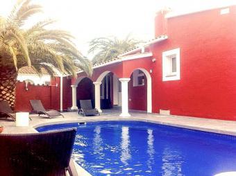 Villa Montseny für 8-10 Pers. mit großem beheiztem Pool