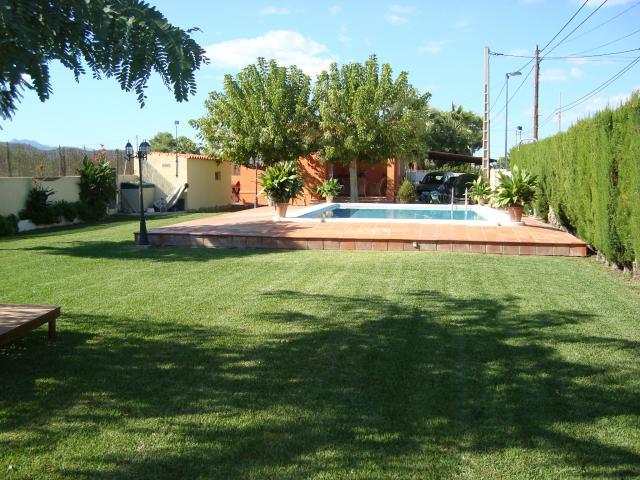 Vacationhome chalet avec piscine for Chalet avec piscine