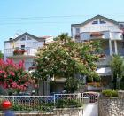 Mimosa 3 - Vacation Apartment Vodice